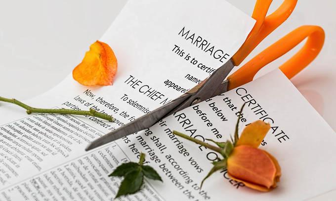 「Divorce/ディボース」シーズン1